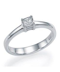 טבעת אירוסין, טבעת פרינסס, טבעת סוליטר, טבעת זהב לבן, טבעת קלאסית, טבעת יהלום מרובע