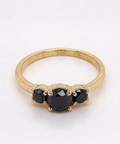 טבעת יהלומים בלאק